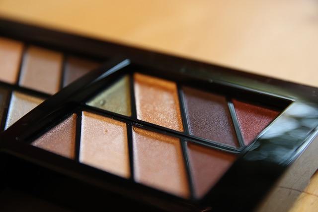 Как правильно делать дневной макияж глаз