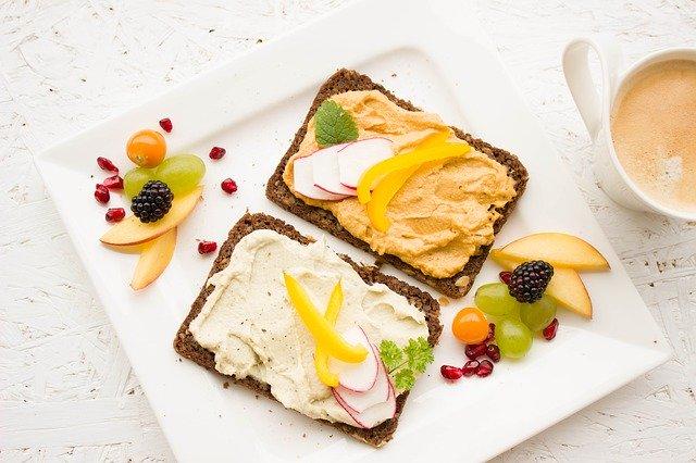 Простые рецепты: 5 вкусных и полезных завтраков