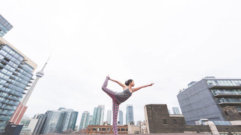 Замена фитнесу: 10 упражнений для занятых