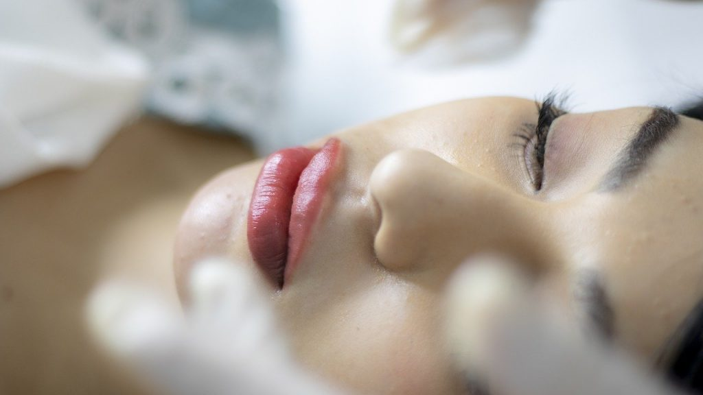 Как вернуть молодость: что ускоряет процесс старения кожи